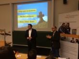 """Florian Hettenbach und Prof. Dr. Urhahne bei der Veranstaltung """"Schlüsselgespräche - Erfolgreich durchs Studium"""""""