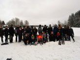Das Gruppenbild am Ende der Schneeschuhwanderung mit allen Teilnehmern.